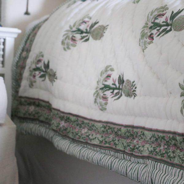block print quilt, pineapple quilt, online block print quilt, online quilt, English block print, pineapple block print, luxury quilt, luxury bedding, English block print