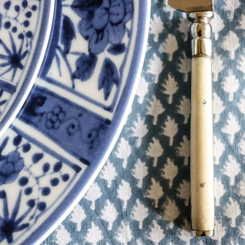 block print tablecloth, block print table linen, blue tablecloth, online block print tablecloth, online table linen, shenouk, luxury table linen, blue tablecloth, Indian block print, English block print