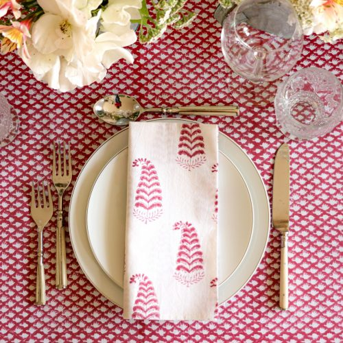 block print tablecloths, block print table linen, dark pink tablecloths, online tablecloths, block print fabric, block print home fabrics, Indian fabrics, Indian block print, English block print