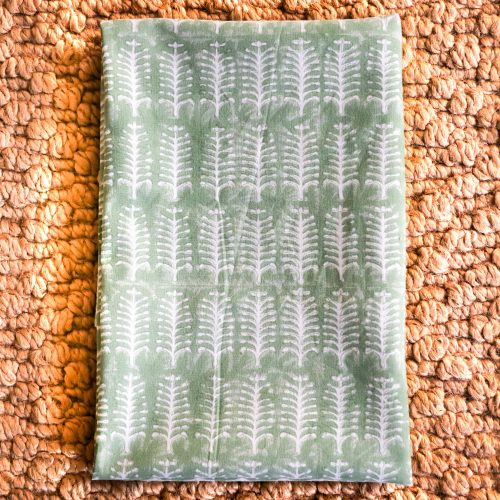 tea towel, kitchen towel, block print, English country kitchen, country house kitchen, online shopping block print, online shopping English block print, indian textiles, handmade textiles, online shopping tea towels, kitchen decor, English interiors, made by artisans, shenouk, beautiful tea towels, tea towels uk, online shopping block print uk