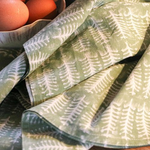 towel, kitchen towel, block print, English country kitchen, country house kitchen, online shopping block print, online shopping English block print, indian textiles, handmade textiles, online shopping tea towels, kitchen decor, English interiors, made by artisans, shenouk, beautiful tea towels, tea towels uk, online shopping block print uk
