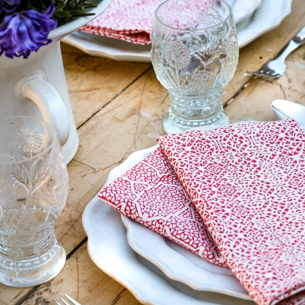table linen, block print, shenouk, indian textiles, English block print, online shopping block print, online shopping tablecloths, napkins, uk tablecloths, online tablecloth, red, handmade
